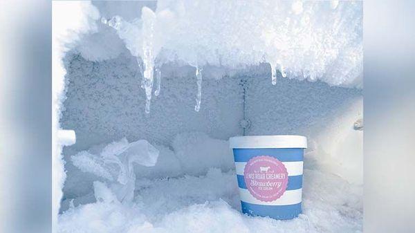 Punya Masalah Bunga Es di Kulkas? Bersihkan Dengan 5 Trik ini!