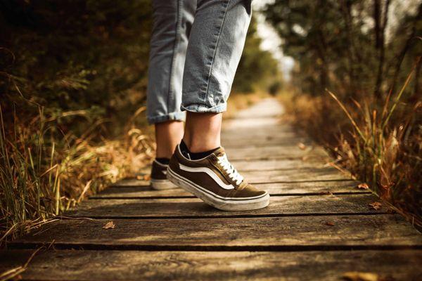 Tips Menghindari Bau Tak Sedap Dari Rak Sepatu