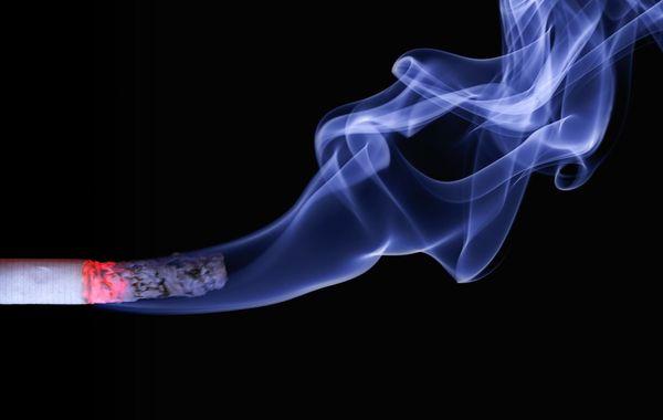 Rumah Kamu Bau Asap Rokok? Begini Cara Menghilangkan Dengan Cepat